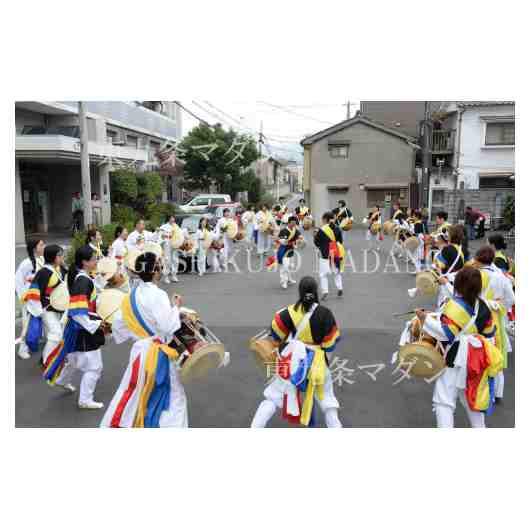 パレード途中のパフォーマンス